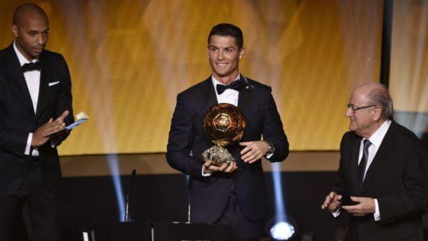 للمرة الثانية على التوالي رونالدو يفوز بجائزة افضل لاعب في عام 2014