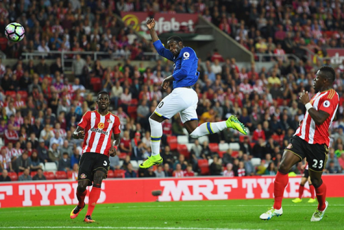 Premier League, Lukaku's back on business: l'Everton trionfa 0-3 allo Stadium of Light