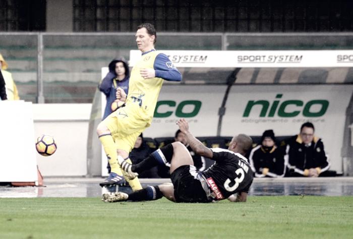 Serie A - Udinese e Chievo si vogliono bene, nessuna emozione al Bentegodi (0-0)