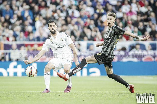 El Málaga cae con la cabeza alta