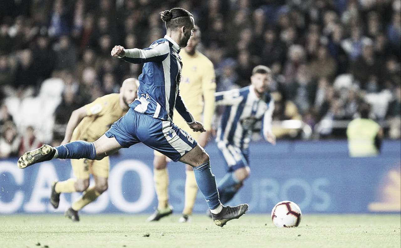 El Deportivo empata en el primero de los tres partidos en Riazor