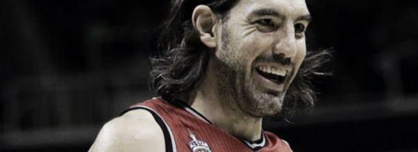 Los Raptors vencieron a los Mavericks con una gran participación de Scola