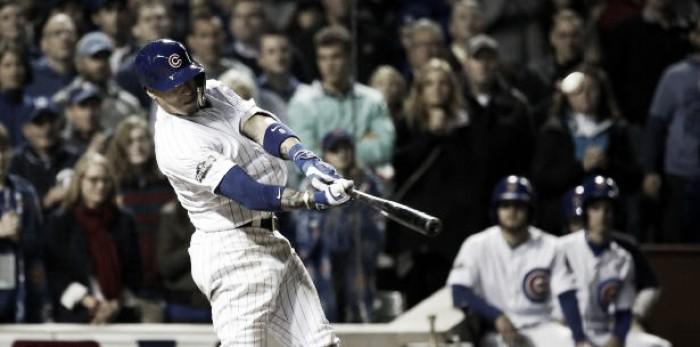 Con cuadrangular de Baez, Cubs vencen a Giants