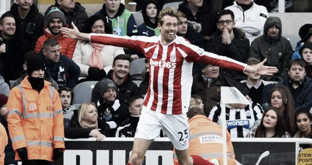 Newcastle United 1-1 Stoke City: Crouch snatches point late on for Potters