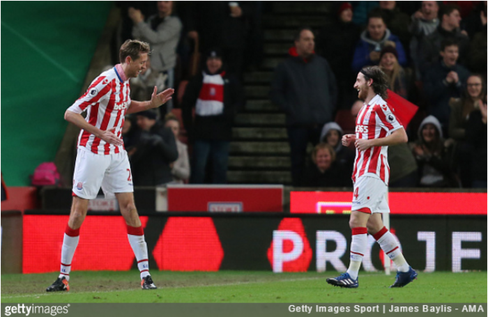 Peter Crouch signs new one-year deal at Stoke City