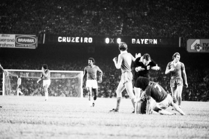 Há 40 anos, Cruzeiro e Bayern de Munique decidiram o Mundial Interclubes de 1976