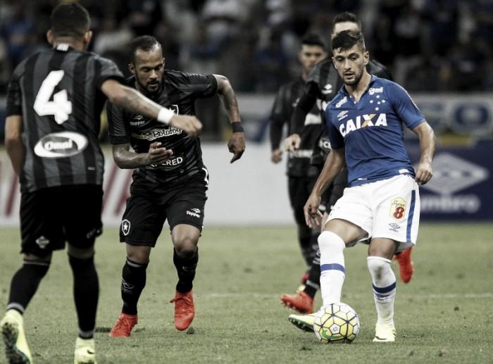Botafogo recebe Cruzeiro no Nilton Santos para garantir vaga na Libertadores