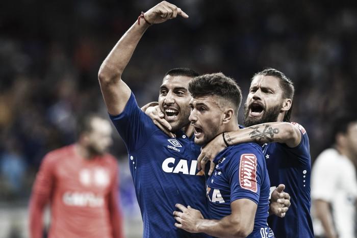 Em jogo eletrizante, Cruzeiro vence Corinthians com show de gringos e avança na Copa do Brasil
