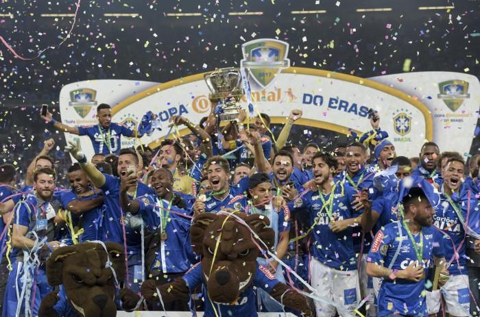 Sem três titulares, Cruzeiro divulga relacionados para jogo contra Corinthians