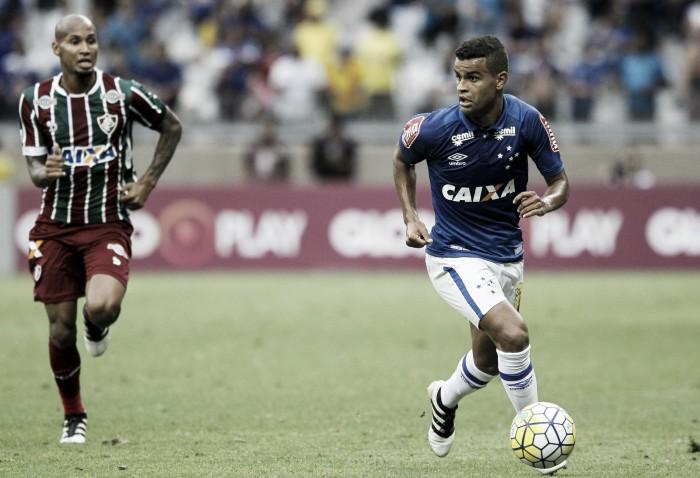 Eficaz no ataque, Cruzeiro vence Fluminense de virada e encaminha permanência na Série A