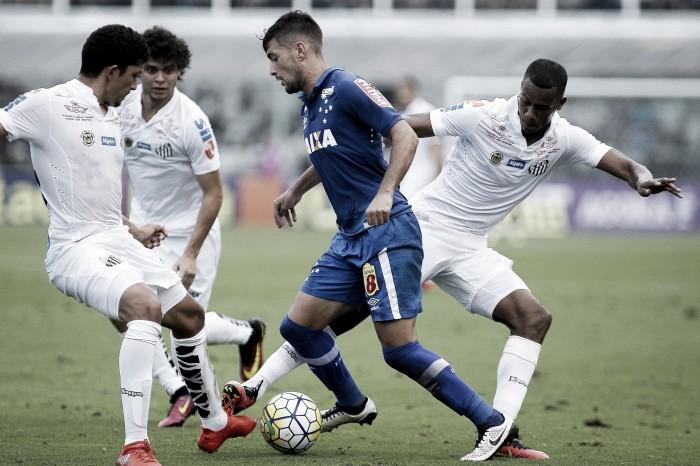 Cruzeiro e Santos se enfrentam no Mineirão mirando ascensão na tabela