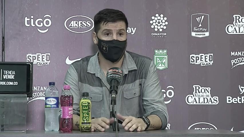 """Juan Cruz Real: """"Fue un partido parejo, como mínimo merecíamos empatar"""""""