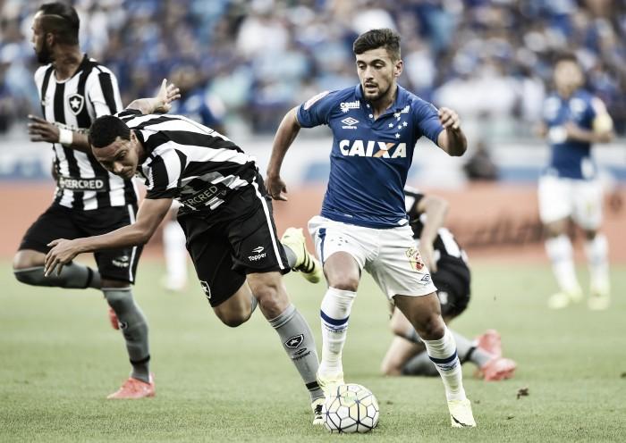 Com um pé nas quartas de final, Cruzeiro recebe Botafogo pela Copa do Brasil