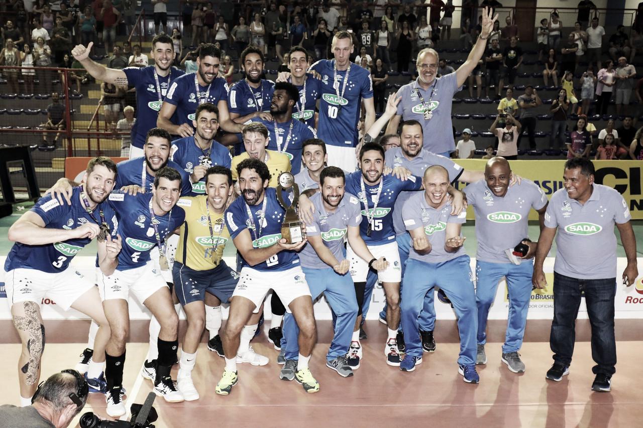 "Atletas do Cruzeiro comemoram tetracampeonato da Copa Brasil: ""Sangue nos olhos"""