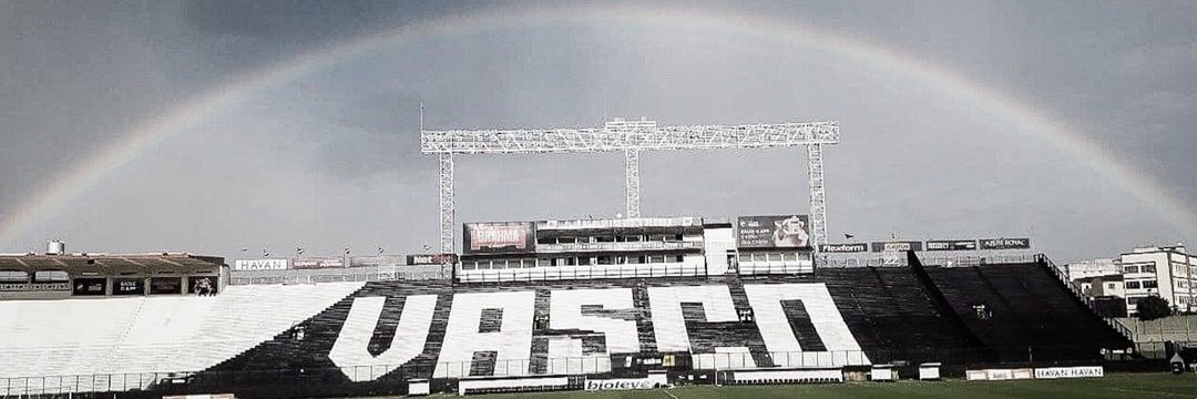 Irregular, Vasco recebe Confiança em busca de recuperação na Série B