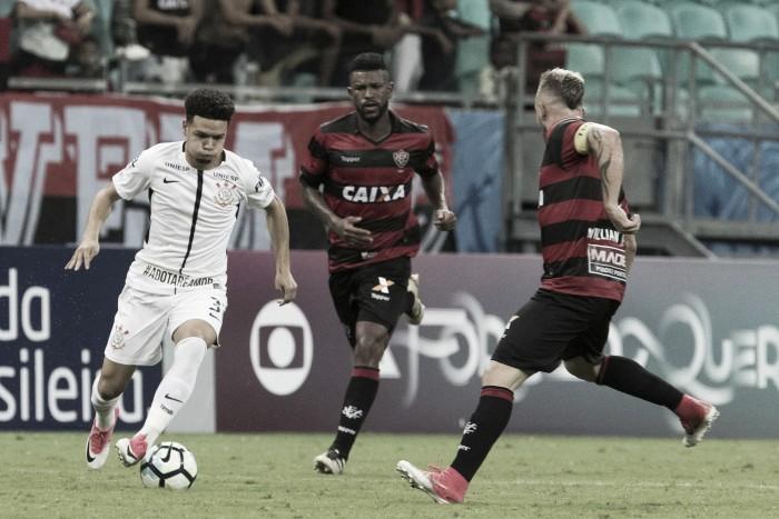 Análise: Tática fora de casa novamente dá certo e Corinthians domina Vitória