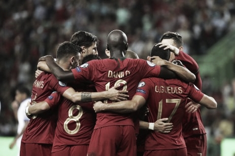 Com tranquilidade e golaço de CR7, Portugal bate Luxemburgo e se mantém na vice-liderança do Grupo B