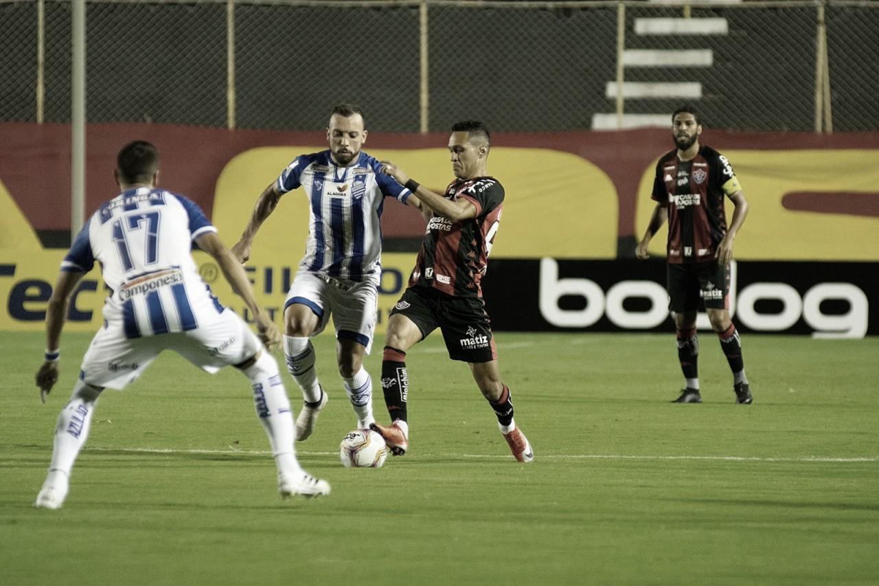 CSA bate Vitória e conquista terceira vitória consecutiva na Série B