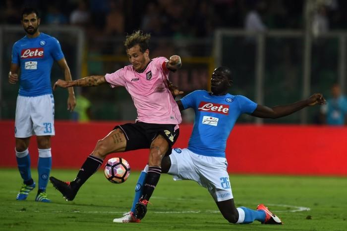 Il Palermo resiste un tempo, poi il Napoli dilaga: 0-3 al Barbera
