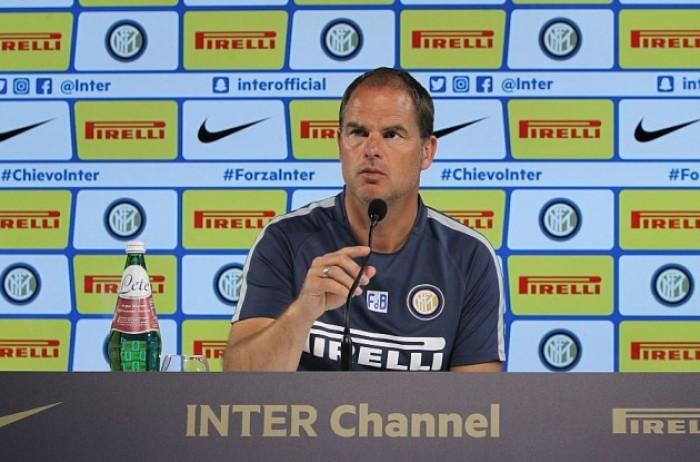 """Inter, De Boer in conferenza: """"Concentrazione a prescindere dall'avversario. I social? Importanti, ma pericolosi"""""""