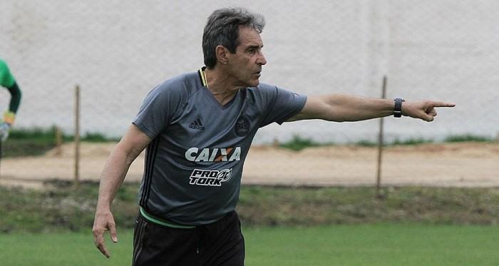 Bahia anuncia acerto com técnico Paulo César Carpegiani, ex-Coritiba
