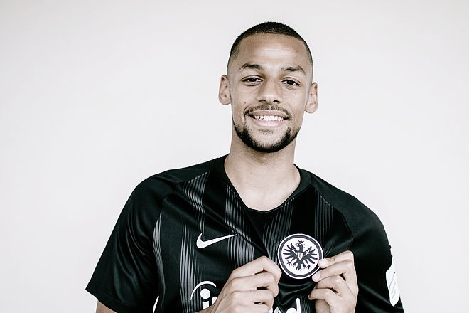 Eintracht Frankfurt anuncia contratação de Djibril Sow, ex-Young Boys, até 2024