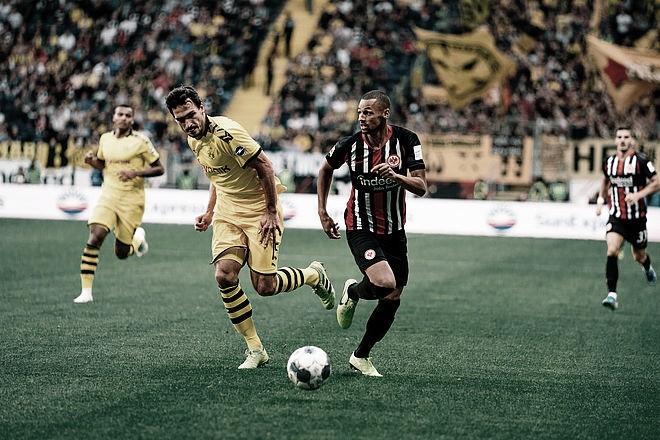 Borussia Dortmund cede empate ao Eintracht Frankfurt com gol contra no fim de jogo