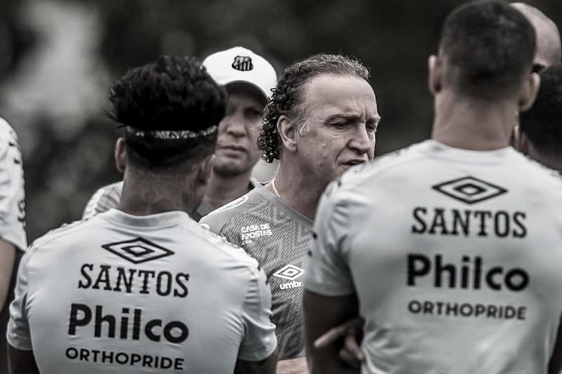 Imprensa paraguaia destaca reencontros de Cuca e Derlis González na volta da Libertadores