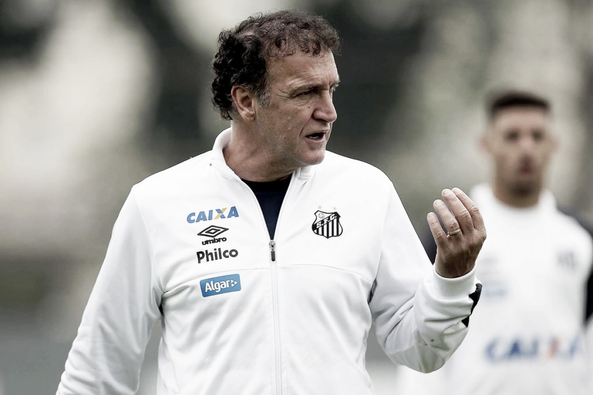Cuca admite interesse do Santos em artilheiro do Atlético-GO e não descarta Nicolás Blandi