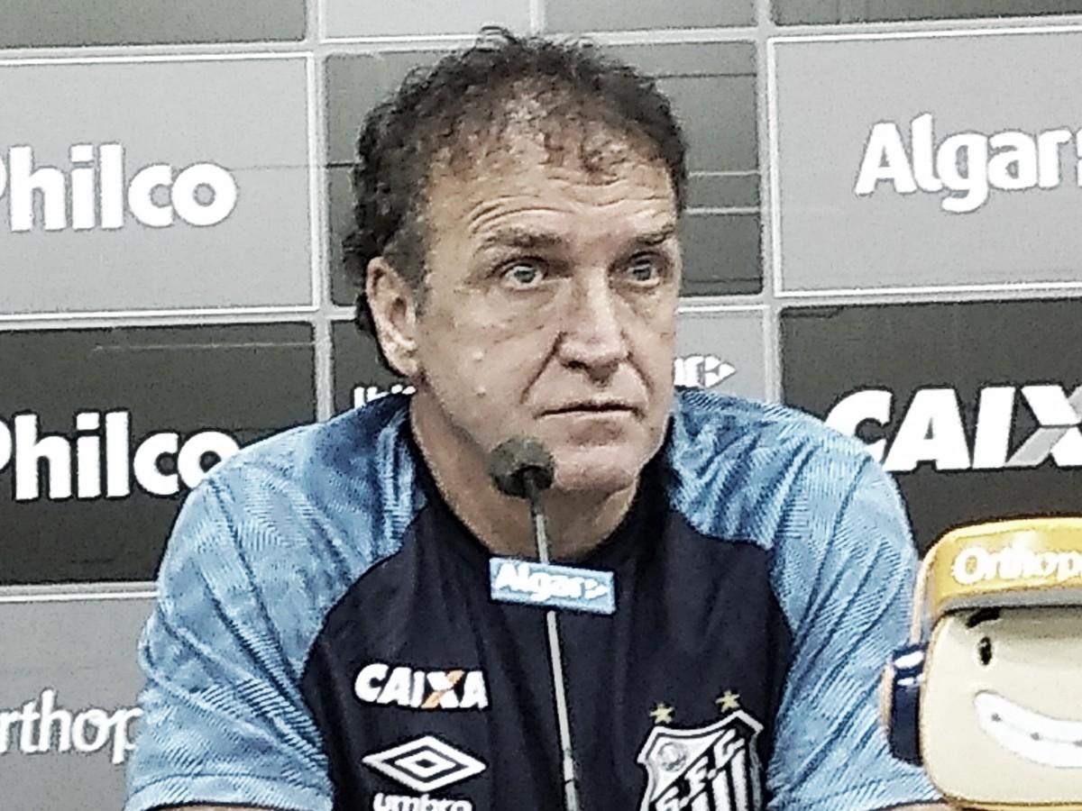 Em apresentação, Cuca garante que não quer apenas salvar o Santos do rebaixamento
