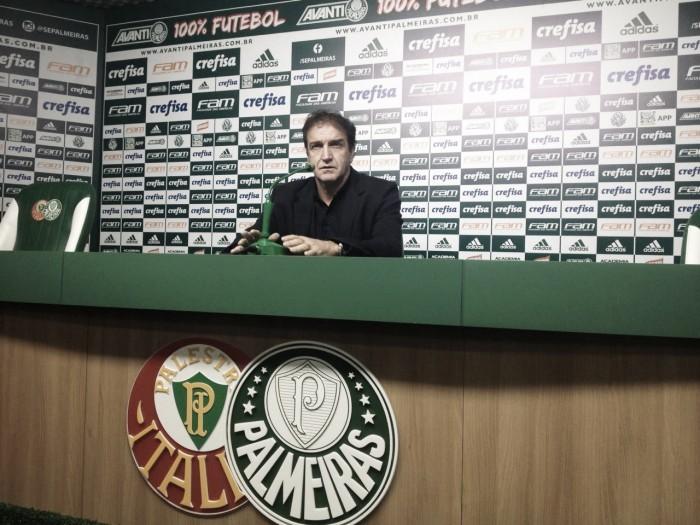 Cuca lamenta expulsão de Allione e exalta atuação do Palmeiras contra Grêmio