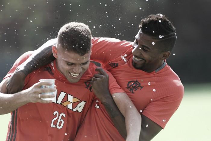 Cuéllar comemora possível volta ao time titular soltando palavrão involuntário em entrevista