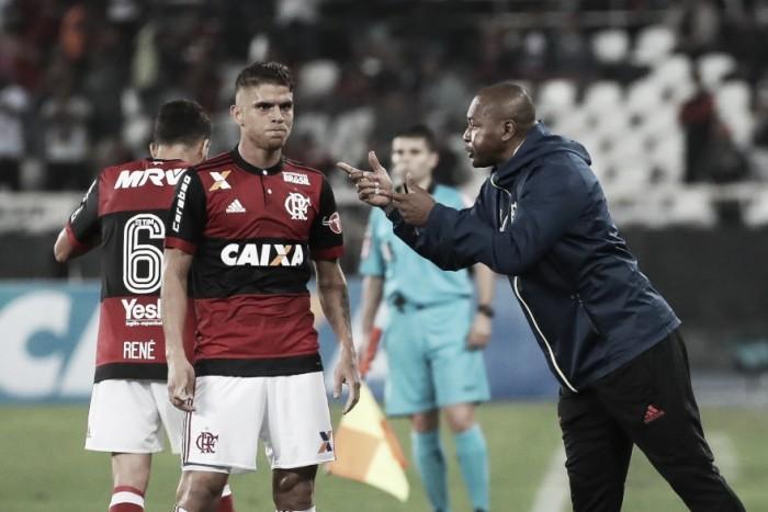 """Eleito melhor jogador da partida, Cuéllar comemora empate: """"Importante não levar gols"""""""