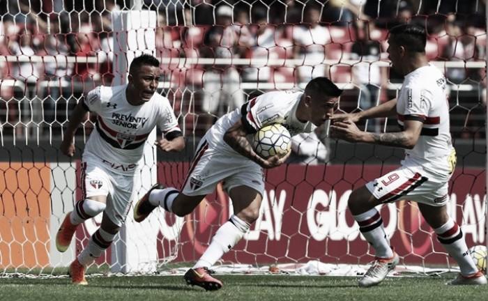 Defesa falha, Cueva marca dois e São Paulo sofre para empatar com a Chapecoense no Morumbi
