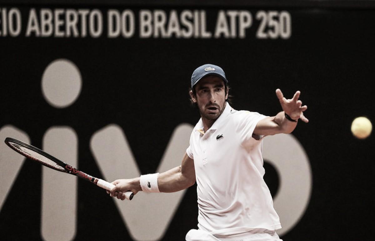 Em batalha de 3h, Cuevas supera Mayer e é o primeiro semifinalista do Brasil Open