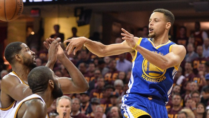 NBA Finals, Golden State implacabile a Cleveland: Curry trascina i suoi sul 3-1 (108-97)