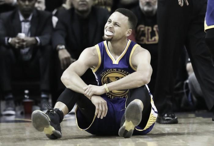 Curry: o primeiro MVP a ser expulso por faltas desde 2001
