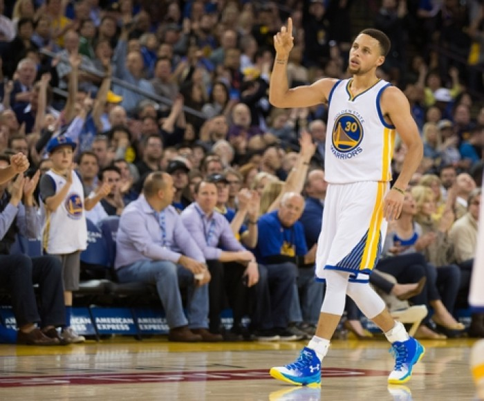 Stephen Curry 55-foot shot highlights otherwise ho-hum Warriors rout of Jazz