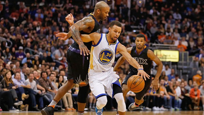 NBA - Golden State tira un sospiro di sollievo: Curry out due settimane