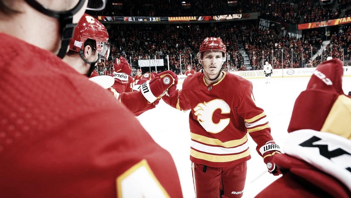 Acuerdo de Matthew Tkachuk por tres años con los Flames