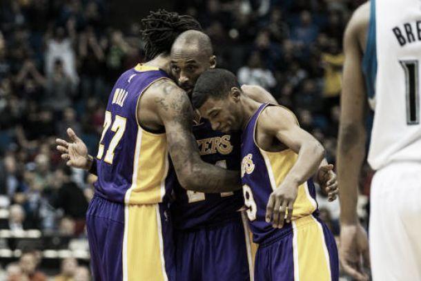 Kobe Bryant supera Jordan e trascina i Lakers alla vittoria