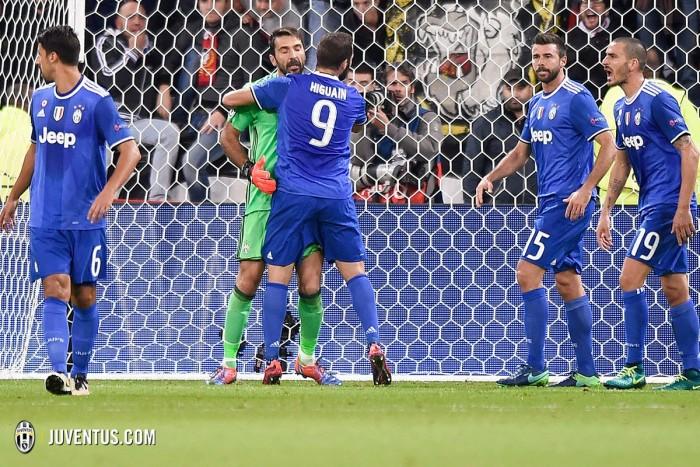 Lione - Juventus, le pagelle: Buffon fenomeno, Cuadrado decisivo. Male la mediana