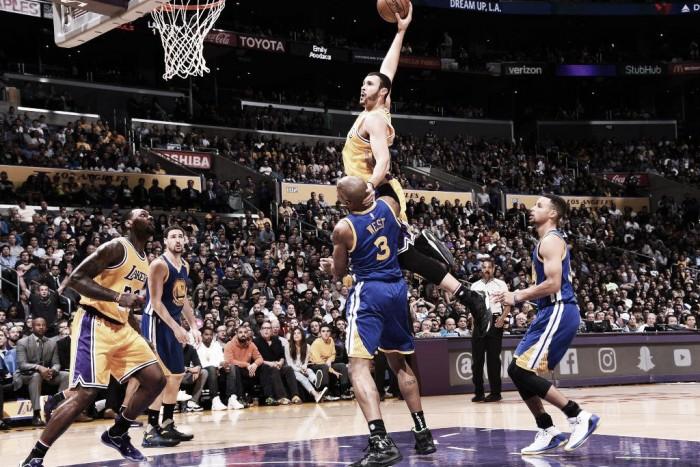 Lakers vence Warriors, conquista segunda vitória seguida e encerra recorde de Curry