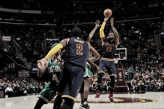Com duplo-duplo de LeBron James, Cavaliers bate Celtics e segue invicto