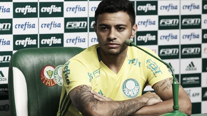 """Cleiton Xavier celebra melhor sequência desde seu retorno ao Palmeiras: """"Ajudando bastante"""""""