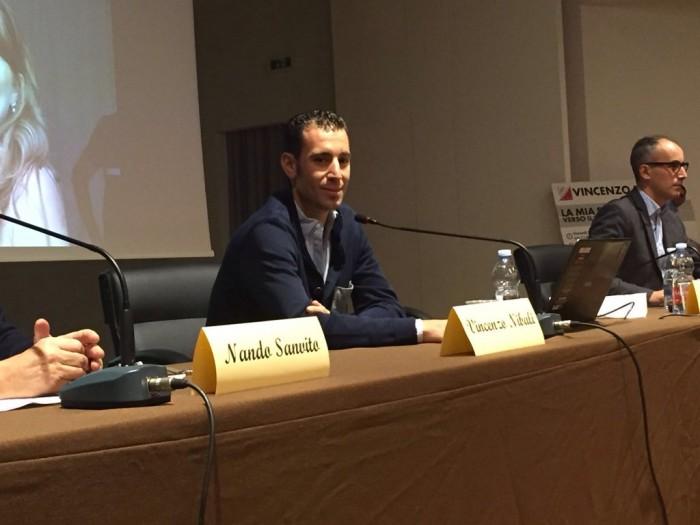 """Vincenzo Nibali torna a scuola: """"È il primo mattone per costruire il futuro"""""""