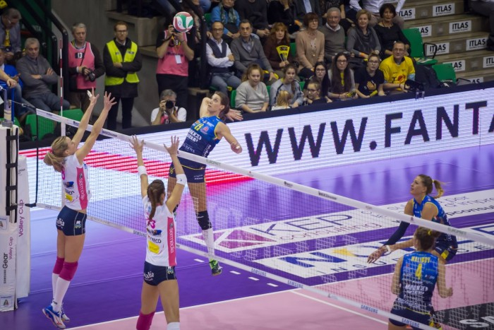 Volley F - Imoco sugli scudi vince al tie-break contro Novara
