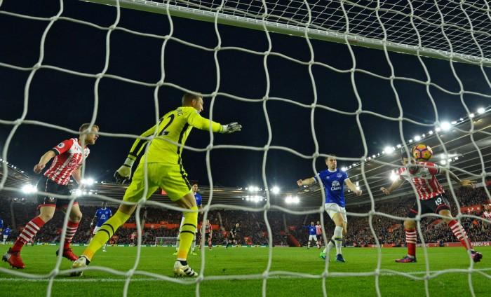Sunday Premier League: lo Stoke supera il Watford a domicilio, Austin punisce l'Everton e fa sorridere il Southampton