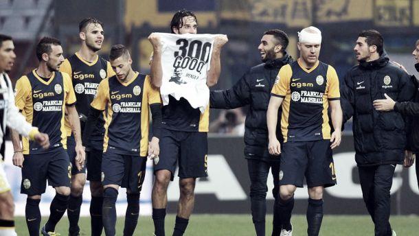 Toni scrive 300 e il Verona torna a vincere, l'Udinese cade in casa per 2-1
