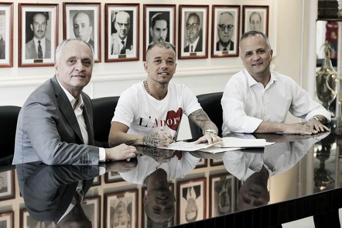 D'Alessandro renova com o Inter por mais dois anos